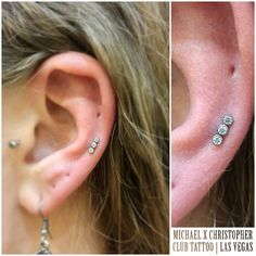 I liked how cute and simple this little cluster looks pierced here. Jewelry from @anatometalinc at @clubtattoolasvegasmm @clubtattoo #piercing #piercings #piercer #swarovski #jewelry #anatometal...