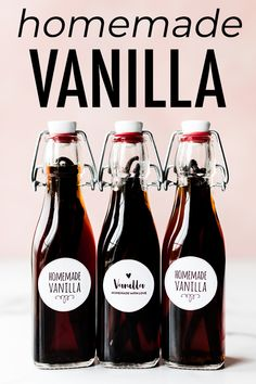 How to make homemade vanilla extract with just vanilla beans and vodka. - How to make homemade vanilla extract with just vanilla beans and vodka. Bourbon is another great ch - Vanilla Extract Recipe, Vanilla Recipes, Vanilla Vodka, How To Make Homemade, Homemade Gifts, Food To Make, Homemade Sweets, Vanille Bourbon, Printables