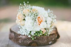 Lemonade and Lenses » rustic peaches & cream wedding bouquet