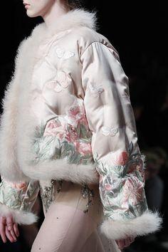 Alexander McQueen Fall/Winter 2016-'17