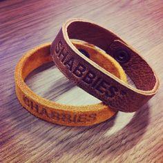 Simple accessories for festivals: Shabbies leather bracelets