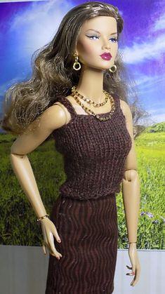 Ravelry: One Piece Skirt & Top pattern by stickatillbarbie. Barbie Knitting Patterns, Barbie Patterns, Doll Clothes Patterns, Clothing Patterns, Dress Patterns, Crochet Patterns, Crochet Barbie Clothes, Barbie Dress, Pink Dress