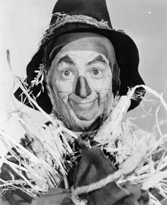 Wizard-of-Oz-Scarecrow-Ray-Bolger
