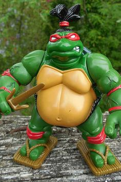 18 Ridiculously Awful Teenage Mutant Ninja Turtles Action Figures