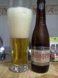 La cerveza Affligem Tripel-Triple es una cerveza belga de estilo Abadía (Triple), de un color rubio pálido ambarino y una espuma blanca, espesa, consistente y poco persistente. Es una cerveza elaborada con tres veces más de malta de lo normal con sabores suaves de pera y manzana al principio seguido por el amargor del lúpulo, seca y vivaz con un regusto final dulce y alcohólico a la vez. Un sabor muy marcado, a especias, nuez y levadura.