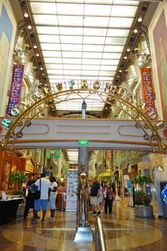 Adventure of the Seas | Feel like royalty as you stroll down the Royal Promenade, immersing yourself in the shops, sights, and succulent treats that present themselves.