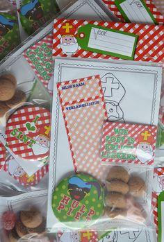 Leuke Sinterklaas pakketjes voor in de schoen. Inclusief kleurplaat, verlanglijstje, strooigoed en button