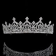Shiny Rhinestones in Round Shape Detailed Silver Tiara