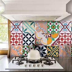 Peel N Stick Backsplash, Stick On Tiles, Kitchen Backsplash, Kitchen Cabinets, Multicoloured Kitchens, Colourful Kitchen Tiles, Kitchen Decor, Kitchen Design, Kitchen Ideas