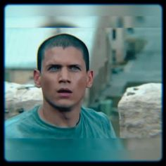 A fancam for the hero that deserves to be mythologised♥️ SONG: New Life - Thomas Bergerssen Prison Break Quotes, Prison Break 3, Michael Schofield, Wentworth Miller Prison Break, Michael And Sara, In Cinemas Now, Broken Video, Like A Storm, Cute Couples Kissing