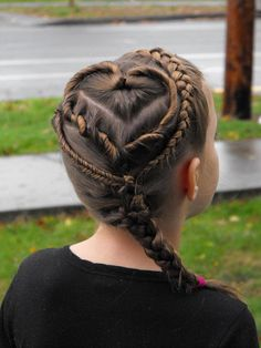 A fun artistic hairstyle for girls My neice again.. What a great step mom she has to do this.