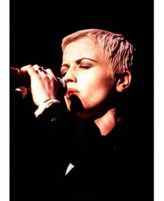 Cranberries Band, Dolores O'riordan, Rock And Roll, Einstein, Che Guevara, Singing, Music, People, Fictional Characters