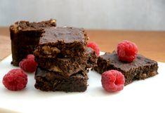 Kesäkurpitsabrowniet - Zucchini Brownies / Sweets by Sini