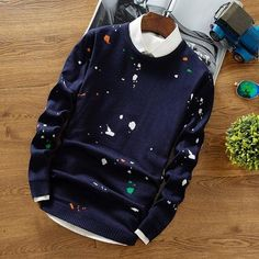 BLOT COLORED CHRISTMAS SWEATER Mens Fashion Sweaters, Sweater Fashion, Half Sweater, Men Sweater, Best Mens Fashion, Boy Fashion, Summer Outfits Men, Casual Outfits, Outfits Hombre