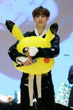 Mark love pikachu