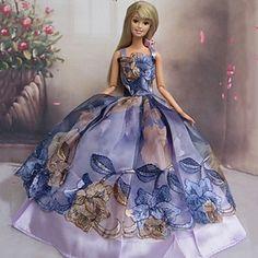 Barbie Doll Dress Handmade purple Retro Ball by Blueberry Beautiful Barbie Dolls, Barbie Dream, Barbie Gowns, Barbie Clothes, Barbie Top, Barbie Collection, Vintage Barbie, Beautiful Gowns, Fashion Dolls