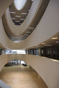 University of Helsinki, Kaisa Library, completed 2012 (AOA Architects, Selena Anttinen and Vesa Oiva), Finland. Helsinki Things To Do, Beautiful Buildings, Beautiful Places, Amazing Architecture, Architecture Design, Helsinki Airport, Visit Helsinki, Home Libraries, College Campus