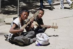 tibetan 'guitar'