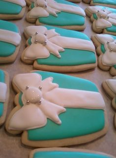 #Tiffany Blue Wedding ... Cousins ~ a chic cookie boutique: Tiffany & Co. Wedding Favours  www.egovolo.com