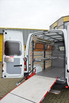Post of koerierswageninrichting in Opel Movano / Renault Master / Nissan NV 400