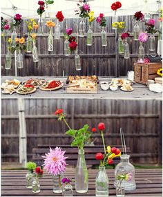 Having a party? Tie vases to the fence and fill with plants or flowers.