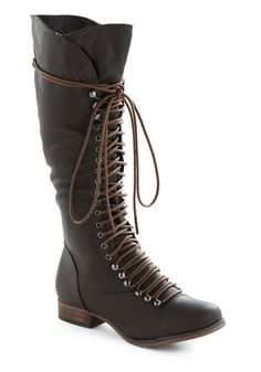 Knee high lace up boots. Kind of steampunk I dig it! Crazy Shoes, Me Too Shoes, Buy Shoes, Women's Shoes, Modcloth Shoes, Vegan Boots, Shoe Boots, Shoe Bag, Ugg Boots