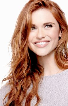 Holland Roden from Teen Wolf Hair Color Highlights, Red Hair Color, Cool Hair Color, Red Colour, Auburn Hair, Beautiful Redhead, Beautiful Mind, Beautiful Images, Hair Trends