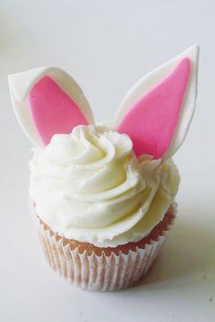Super cute bunny cupcakes!