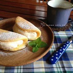 フライパンでふわふわオムレット♡カスタード生クリーム♪|ゆーママ おうちカフェ レシピ