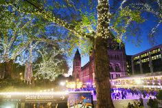 How to see London at Christmas: UK, travel - Melissa Carne Tower Of London, London Bridge, Christmas Uk, Carnaby Street, Blogger Lifestyle, Covent Garden, London Eye, Design Museum, History Museum