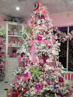 Cupcake shop Christmas tree.
