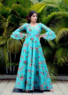 Magnolia - Blue Floral Print Bell Sleeve Gown Maxi Source by krantht Dresses Long Dress Design, Stylish Dress Designs, Stylish Dresses, Women's Fashion Dresses, Skirt Fashion, Fashion Fashion, Casual Dresses, Fashion Jewelry, Womens Fashion