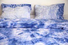 projectamateurism.blogg.se - Dye, batik, shibori. Blue duvets. Sängkläder, påslakan, örngott. Färgade, blå.
