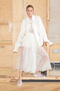 https://www.vogue.com/fashion-shows/resort-2019/stella-mccartney/slideshow/collection