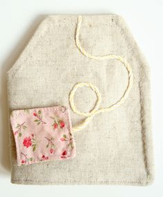 andrea creates: Tea Bag Wallets - this one is perfect!  Love the design, shape & vintage fabric:)