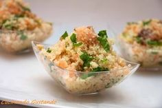 Cous Cous salmone affumicato rucola noci The smoked salmon couscous with arugula is a good dish that can be served as a delicious finger food aperitif or as a delicious summer dish. Wine Recipes, Indian Food Recipes, Italian Recipes, Cooking Recipes, Healthy Recipes, Healthy Food, Couscous Quinoa, Appetisers, Snacks