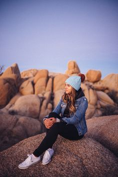 Gal Meets Glam Joshua Tree Jumbo Rocks - Madewell Denim Jacket, Anthropologie Beanie, Lulu Lemon Leggings
