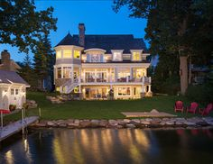 Lake House. Beautiful Lake House. #Lake #House.