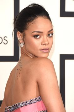 Pin for Later: See Every Rock-Star Beauty Moment From the 2015 Grammys Red Carpet Rihanna Rihanna's soft, effortless makeup let her natural beauty shine through.