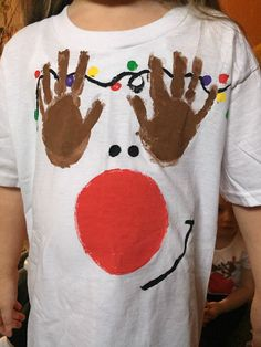 Handprint Reindeer T-Shirts for Kids....cute christmas craft to make!