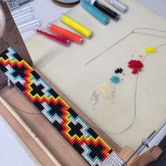 Updates from PuebloAndCo on Etsy Loom Bracelet Patterns, Seed Bead Patterns, Bead Loom Bracelets, Native Beading Patterns, Jewelry Patterns, Native Beadwork, Native American Beadwork, Style Indien, Couture Main