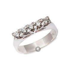 Λευκόχρυσο σειρέ δαχτυλίδι Κ18 με 5 διαμάντια μπριγιάν σε ιδιαίτερη βάση | Δαχτυλίδια με διαμάντια ΤΣΑΛΔΑΡΗΣ #σειρέ #δαχτυλίδι #διαμάντια #rings #diamonds