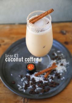 Licor 43 Coconut Coffee Cocktail This is a boozy coffee cocktail perfect for lazy weekends with friends! The Licor 43 coconut coffee cocktail combines cold brew coffee with coconut cream and vanilla liqueur. Coffee Cocktails, Cocktail Drinks, Cocktail Recipes, Fancy Drinks, Yummy Drinks, Mix Drinks, Yummy Food, Cold Brew, Coconut Cream