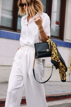 all-white capsule wardrobe for summer. Style inspiration for office to weekend looks. Elevated workwear ideas for fashionable women looking for inspiration. All White Outfit, White Outfits, Summer Outfits, Looks Street Style, Looks Style, My Style, Fashion Week, Love Fashion, Fashion Trends