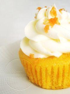 Ritroviamoci in Cucina: Cupcakes alle Carote (senza Burro, Latte, Uova)