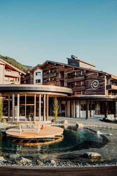 Auszeit vom Alltag | Erholung und Entspannung im Tannheimer Tal | Spahotel | Gutzeitort Spa, Mansions, House Styles, Good Times, Recovery, Time Out, Places, Guys, Vacation