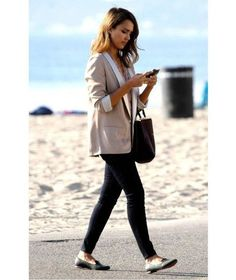 Great styled to the office: These are the Dos & Don& at office fashion - Casual chic office outfit - Comfy Work Outfit, Casual Work Outfits, Work Attire, Mode Outfits, Work Casual, Casual Chic, Teen Outfits, Fall Outfits, Summer Outfits