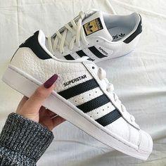 on sale 81800 6337e Tenis Adidas, Adidas Shoes, Nike Roshe, Roshe Shoes, Adidas Superstar, Shoes