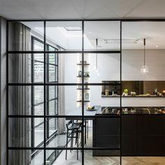 Suchen Sie eine elegante Lösung um zwei Räume zu teilen? Wie wäre es mit Stahlfenster. Home Design, Loft, Semi Detached, Windows And Doors, Chelsea, London, Furniture, Home Decor, Lofts