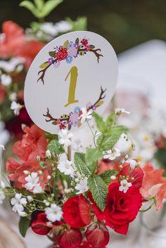 Farbgold_papetere_bayerische Hochzeit 14Erdbeerliebe   Eine Bayerische  Hochzeit Mitten In München. Eine Traditionelle Inspiration Rund